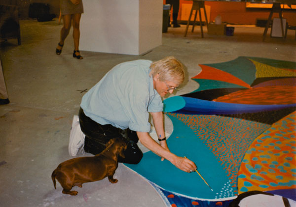 Hockney at his Hollywood studio, mid-80s (c) Paul Joyce