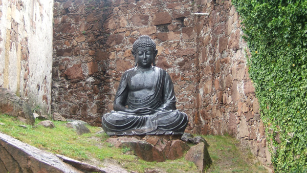 Messner-Sitting-Budha