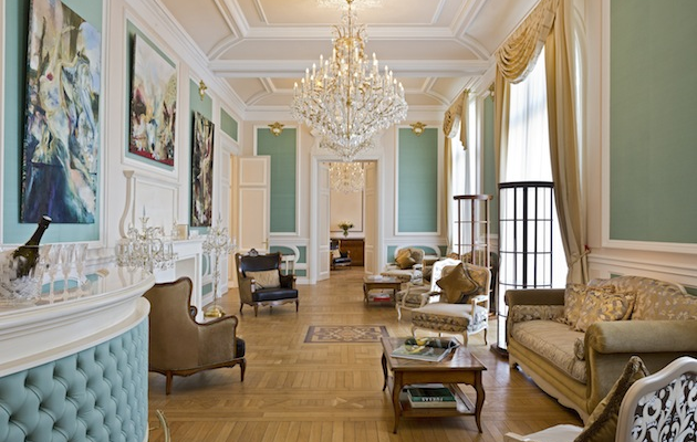 Chateau Bouffemont drawing room