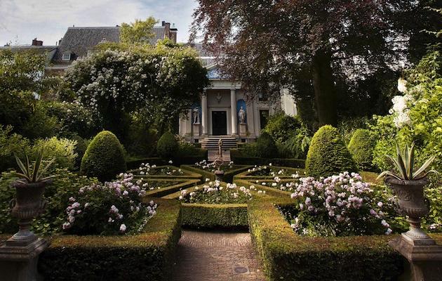 Museum Van Loon garden