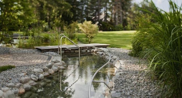 parkhotel igls pond