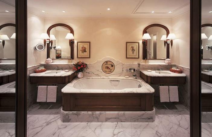 Hotel Splendido bathroom