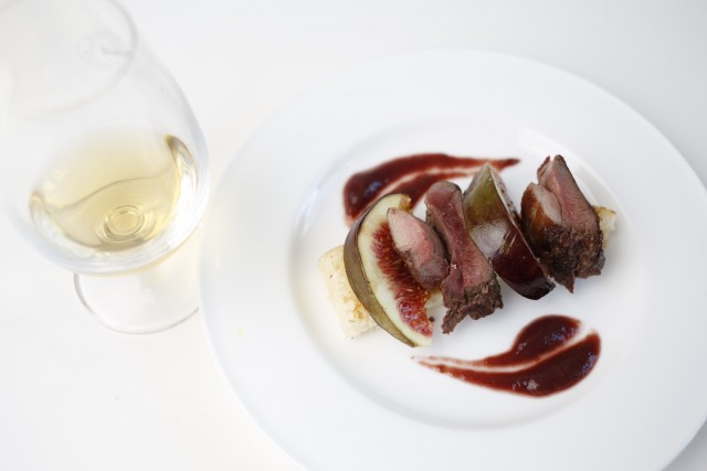 SMWS grouse, roasted and pureed figs, toasted brioche