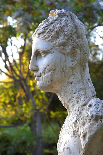 0244 Carthage Statue