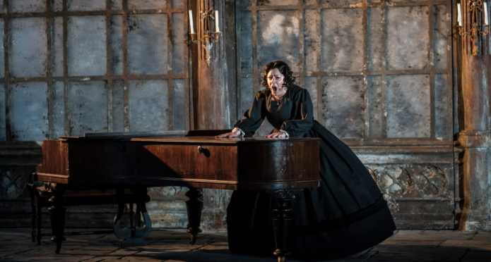 The Turn of the Screw at Garsington Opera | The Arbuturian