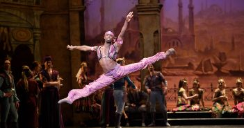 Le Corsaire with English National Ballet